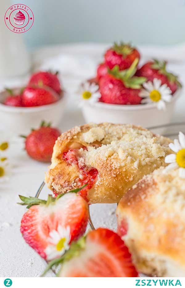 Truskawczanki, czyli bułeczki z truskawkami - Najlepsze przepisy | Blog kulinarny - Wypieki Beaty
