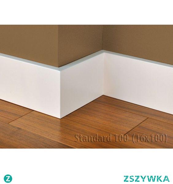Gładka biała listwa podłogowa z Mdf-u wilgocioodpornego to model Standard 100 Lagrus Plus. Profil Standard 100 jest prosty, minimalistyczny i gładki. Kolekcja listew przypodłogowych Lagrus Plus jest odporna na wilgoć. Taki minimalistyczny wzór cokoła pasuje do większości aranżacji wnętrz. Wysokość białej listwy podłogowej to 10 cm. Listwa Standard 100 została polakierowana.
