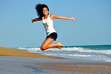 Zdrowie – Jak dbać o siebie, zdrowa codzienność  Przy każdej okazji życzymy sobie zdrowia i spokoju. Obu tych rzeczy bezsprzecznie potrzebujemy, by w pełni cieszyć się życiem. Ż...