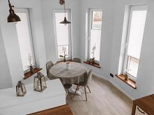 PLISY to dekoracja okna, którą nasza Klientka Pani Monika, wybrała do całego domu :) Materiał to Sara Pearl w kolorze białym. Zaciemnia w ok 60% i odbija promienie słoneczne. Pe...
