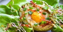 Jajka zapiekane w awokado FIT. Przepis po kliknięciu w zdjęcie.
