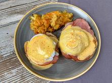 Eggs Benedict & Hash Browns – amerykańskie śniadanie