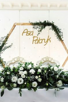 Heksagon na salę weselną DIY - zieleń i złoto