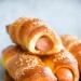 Hot dogi w cieście drożdżowym - roll dogi. Przepis po kliknięciu w zdjęcie.