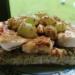 Dzień bez omlet to dzień stracony :) dzisiaj wersja z płatkami jaglanymi, owocami i skyrem.  Składniki : 2 jajka 50 g płatków jaglanych 50 g winogron 2 banany 150 g jogurtu typu Skyr 1 łyżka oliwy z oliwek Szczypta cynamonu Syrop daktylowy bez cukru  Jajka ubijamy, następnie dodajemy płatki jaglane. Dekorujemy owocami, jogurtem, cynamonem i syropem.  5 min i gotowe :) Smacznego!! #omlet #sniadanie #niedziela #fitśniadanie #fitomlet