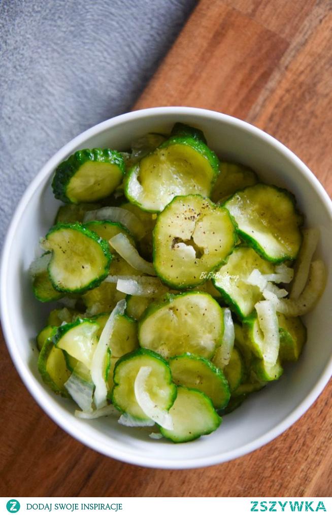 Błyskawiczne ogórki do obiadu – sałatka z ogórków FIT. Przepis po kliknięciu w zdjęcie.
