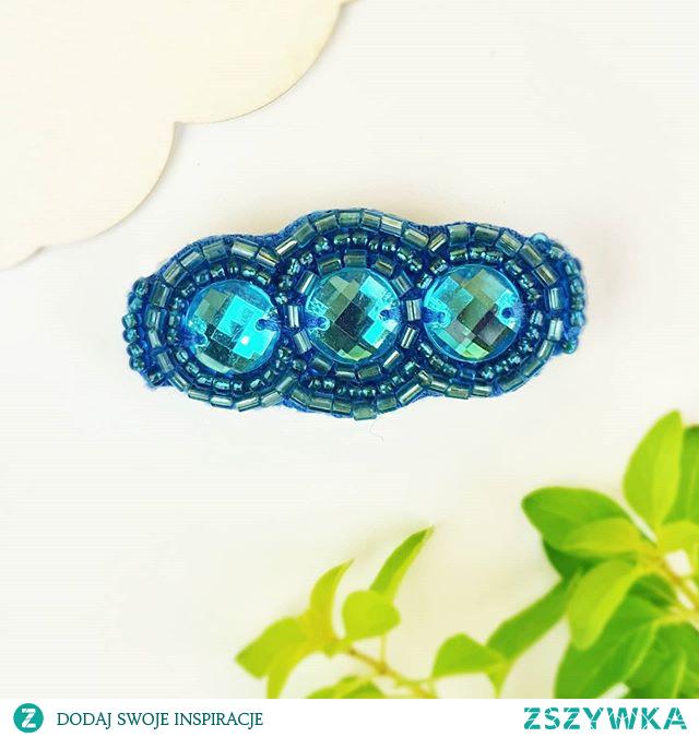 Idealny dodatek do włosów na letnie przyjęcia - błękitna spinka.  ____________________________________ Cena: 20 zł