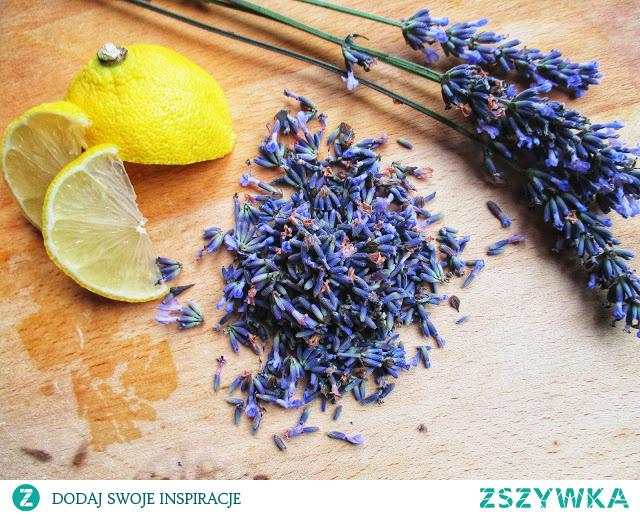 Przepyszny lawendowy syrop na upalne dni idealny do lemoniady! Przepis na blogu po kliknięciu w zdjęcie :D Zapraszam