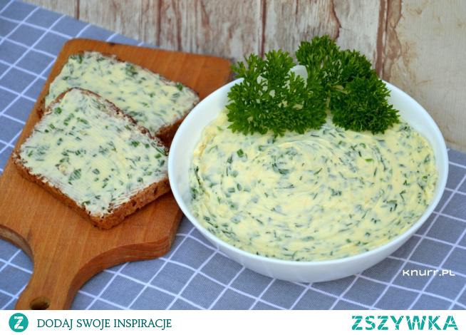 Latem robimy je na okrągło! Niesamowicie zdrowe, pachnące i przepyszne masło. Wspaniale wzbogaci smak pieczywa i doprawi jajecznicę.
