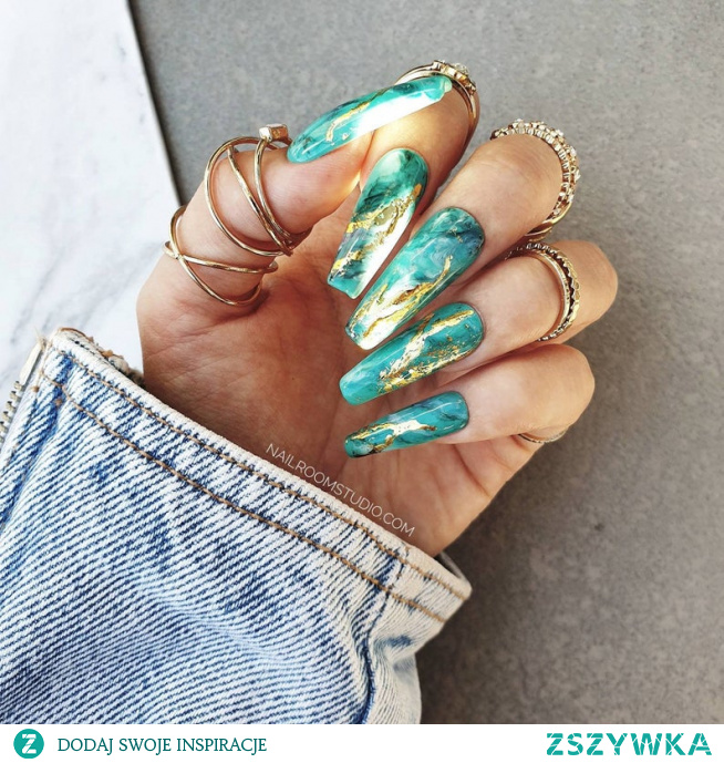 Paznokcie press on. Sztuczne panokcie, tipsy, naklejane paznokcie, żelowe i akrylowe  marmurek morski złoto folia marble nailroomstudio.com