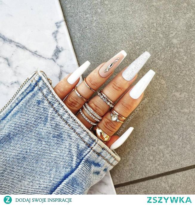 Paznokcie press on. Sztuczne panokcie, tipsy, naklejane paznokcie, żelowe i akrylowe białe kryształy matowy french salon online nailroomstudio.com