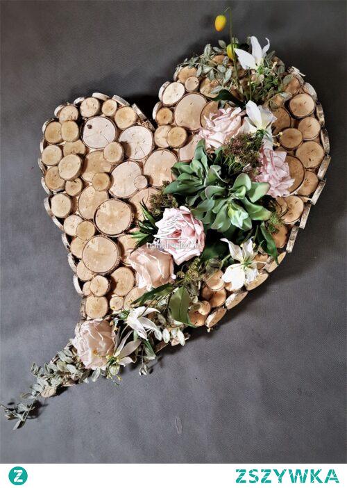 Oryginalny stroik w kształcie serca na cmentarz