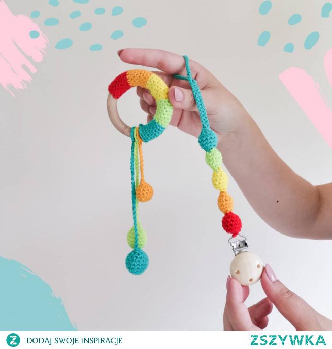 @nessing_handmade Grzechotka i zawieszka do smoczka :) #babyshower #boxprezentowy #dladziecka #podchoinke #prezentnagwiazdke #prezentnaświęta