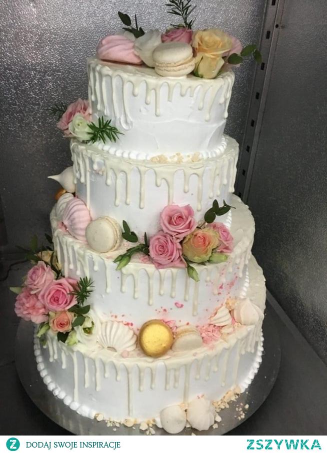 Piękny Tort pary młodej