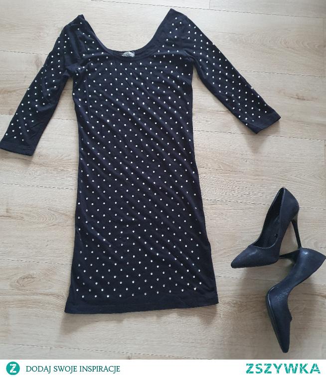 Mała czarna z cyrkoniami Do kupoenia na Vinted #mała czarna #glamour #sukienka