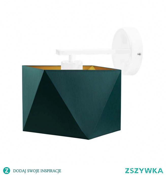 Ekstrawaganckie oświetlenie PATNA GOLD cudownie rozpromieni Twoją sypialnię lub salon! Ta lampa ścienna posiadając oryginalnej konstrukcji abażur, staje się niezwykle widowiskową ozdobą obok, której nikt nie będzie mógł przejść obojętnie. Lampa łączy w swym minimalistycznym designie kilka rodzajów wzorów kompozycyjnych co sprawia, że kinkiet ten świetnie sprawdzi się w aranżacjach w stylu skandynawskim, nowoczesnym czy klasycznym. Wysokość lampy wynosi 25 cm przy 24 cm szerokości. Oświetlenie w pełni zostało stworzone przez polskiego producenta.  Kinkiet PATNA GOLD dostępny jest w 5 kolorach abażurów: biały ze złotym wnętrzem (złoty połysk), szary stalowy ze złotym wnętrzem (złoty mat), zieleń butelkowa ze złotym wnętrzem (złoty mat), granatowy ze złotym wnętrzem (złoty mat) oraz czarny ze złotym wnętrzem (złoty mat) oraz w 5 kolorach stelaży: biały, czarny, chrom, stal szczotkowana, stare złoto.