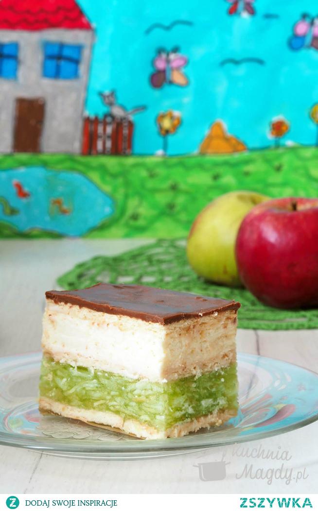 """#Ciasto """"Zielone jabłuszko"""" na zimno. Sezon na jabłka w pełni, więc dziś przepis na ciasto z jabłkami w galaretce, na herbatnikach, z dodatkiem puszystej masy śmietankowej#Ciasto na zimno#ale budzi gorące uczucia#"""