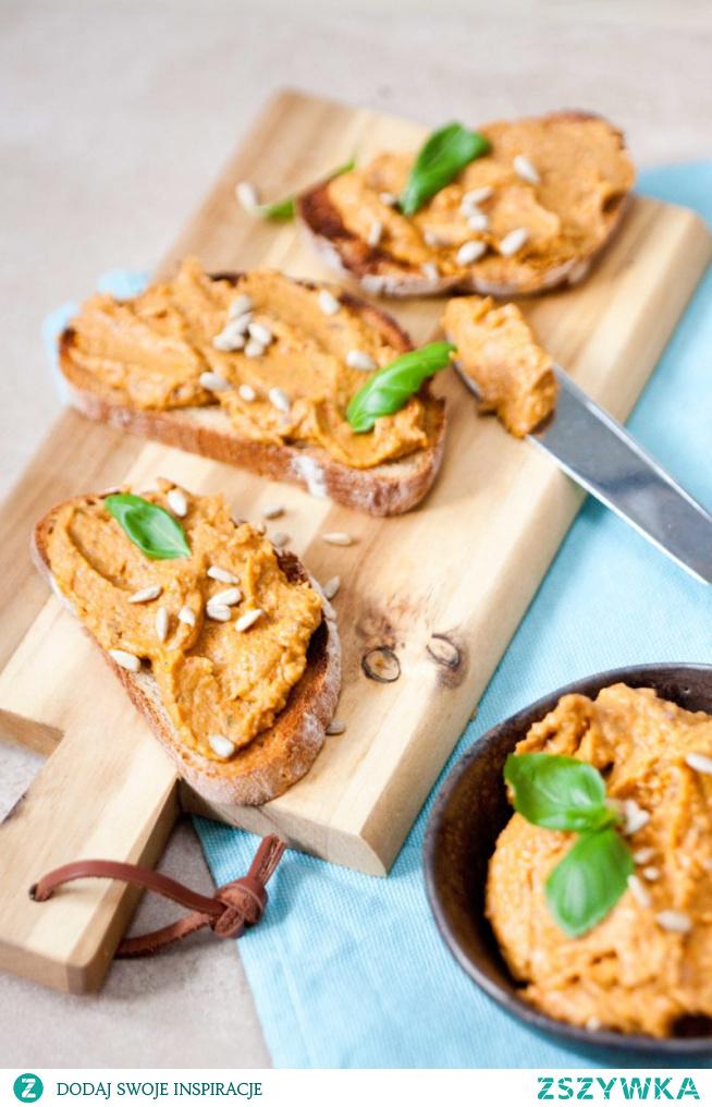 Kanapkowa pasta z bakłazana i warzyw