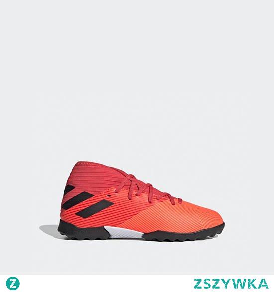 Interesują Cię wygodne i solidne buty do piłki nożnej na sztuczną trawę dla dzieci? Sprawdź koniecznie produkty, które są dostępne w tej kategorii na naszej stronie internetowej. Znajdziesz tam wiele profesjonalnych modeli w niezwykle okazyjnych cenach. Serdecznie zapraszamy!
