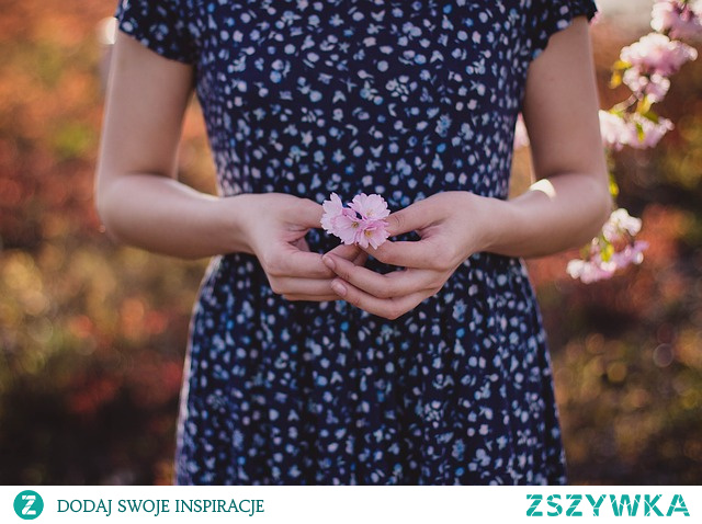 Dietoterapia endometriozy plus darmowy jadłospis do pobrania.