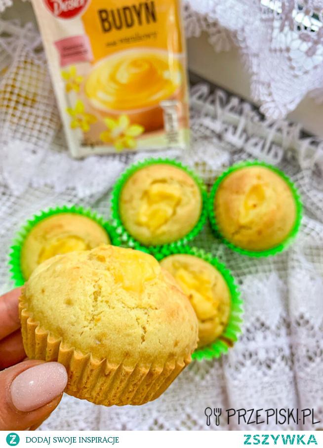 Muffiny z Budyniem Wanilinowym
