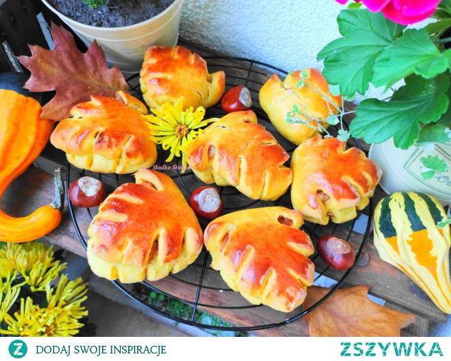 Bułeczki dyniowe – Jesienne liście z prażonymi jabłkami.