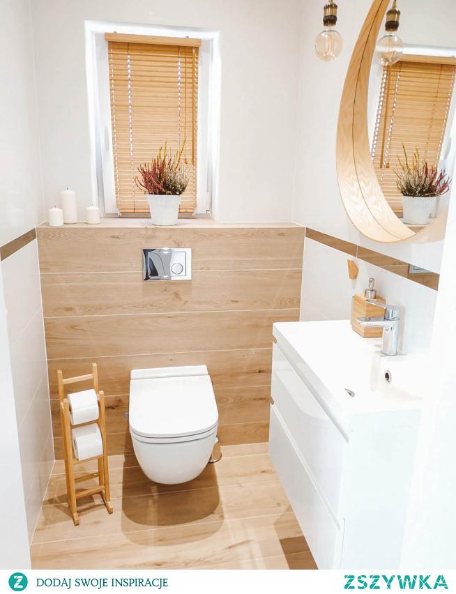 Żaluzja bambusowa 25mm w odcieniu Graham w pięknej łazience Pani Aleksandry z profilu moja_budowa2017 na Instagramie.  Jeśli szukasz pięknych żaluzji, zajrzyj na -->> NASZE DOMOWE PIELESZE