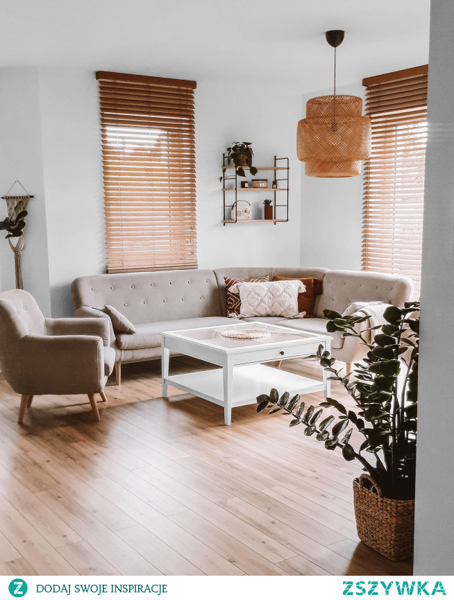 Nasze żaluzje bambusowe w kolorze GRAHAM i półka Grażynka w salonie Pani Marty :)  Więcej pięknych dekoracji do Twojego domu znajdziesz na NASZE DOMOWE PIELESZE