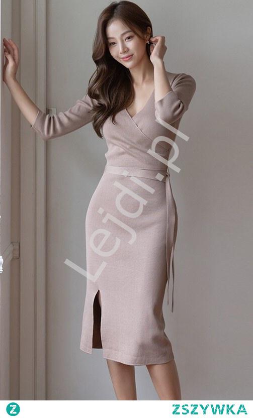 Elegancka dzianinowa sukienka w kolorze beżu - link w komentarzu