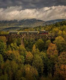 Trasa kolejowa Wałbrzych-Kłodzko (woj. dolnośląskie)- na zdjęciu parowóz TKt48-18.