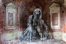 Mauzoleum Beckera w Maciejowej (woj. dolnośląskie)- Mauzoleum wzniesione zostało po śmierci jednego z ostatnich właścicieli nieistniejącego już Pałacu Maciejowa, Emila Beckera. ...