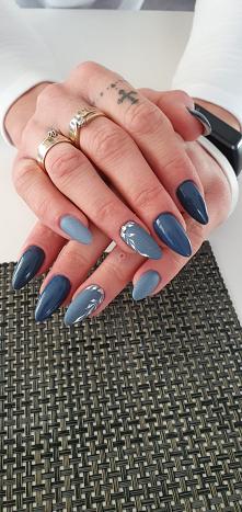 25.11 #paznokcie #blue jeans