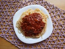 Spaghetti z sosem bolognese...