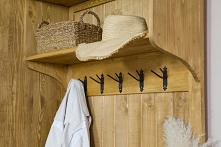 Drewniana garderoba w stylu...