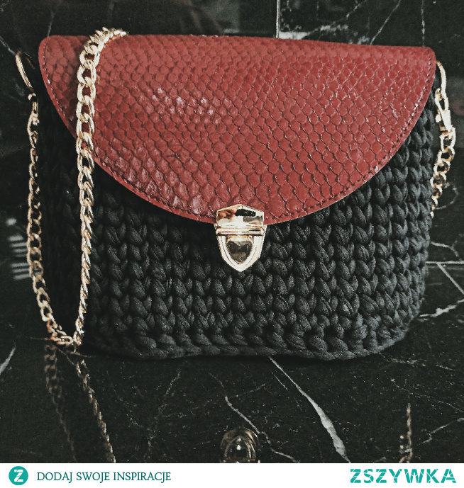 torebka dostępna od ręki.  facebook: Torebki Szydełkowe Monika Bazarnik #torebka #torebki #prezent #naprezent #dlaniej #handmade