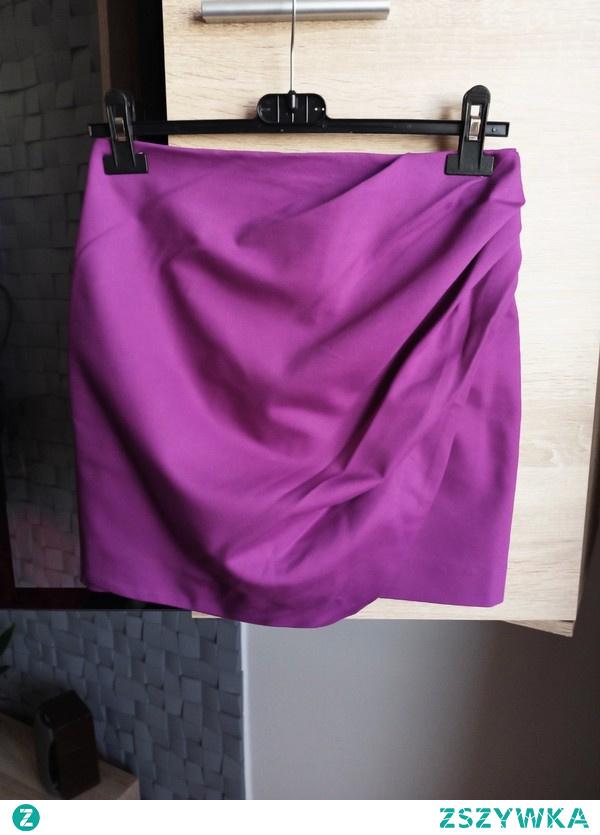 Piękna fioletowa marszczona spódnica od River Island! Kliknij w zdjęcie i kup teraz