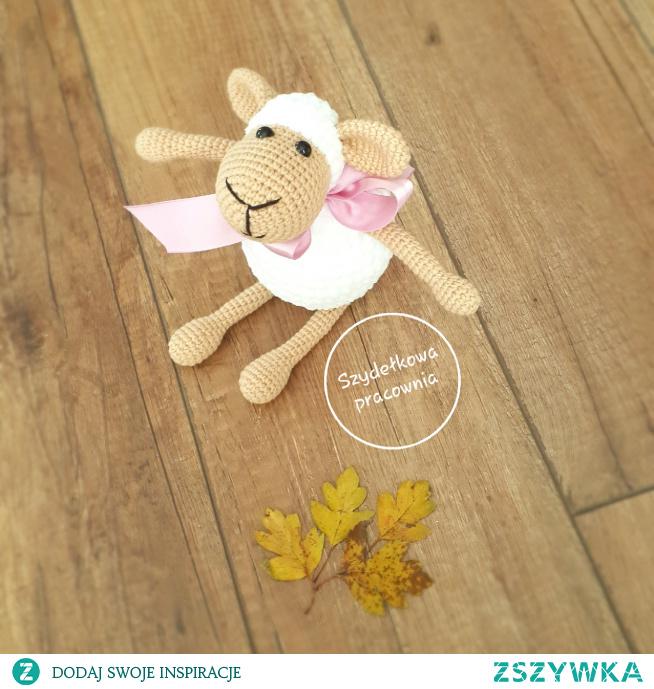owieczka z włóczki - handmade