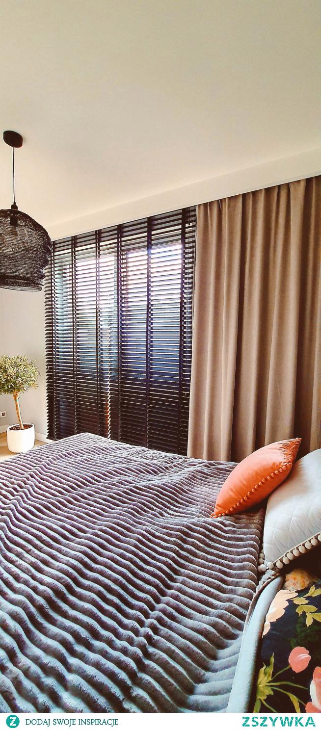 Czarne żaluzje drewniane w kolorze ESPRESSO u naszej Klientki, Pani Iwony :)  Idealne żaluzje znajdziesz na NASZE DOMOWE PIELESZE