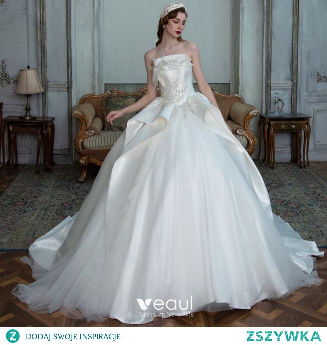 Luksusowe Białe Satyna ślubna Suknie Ślubne 2021 Suknia Balowa Bez Ramiączek Bez Rękawów Bez Pleców Frezowanie Cekiny Trenem Katedra Wzburzyć