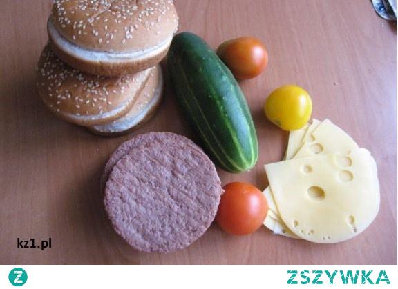 Hamburgery domowe z warzywami.