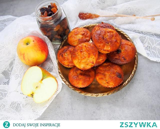 babeczki jaglane z jabłkiem i rodzynkami