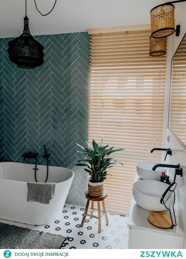 Nasze bambusowe żaluzje 50mm w kolorze IMBIR w pięknej łazience: wnetrzewkadrze (INSTAGRAM)  Koniecznie zajrzyj na NASZE DOMOWE PIELESZE, jeśli szukasz idealnych żaluzji na wymiar :)