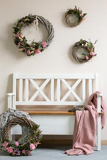 Drewniana ławka na balkon lub taras.  #Beautiful  #Diy #Dodatki #Kwiaty #Meble #balkon #Rękodzieło #Stylizacja #Wielkanoc #Wystrójwnętrz  #Zróbtosam