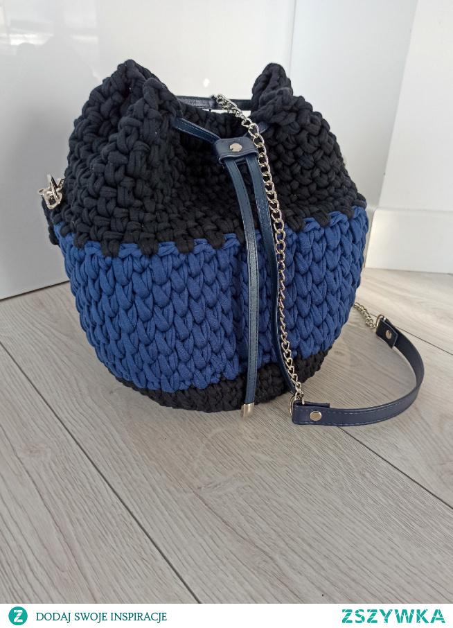 ręcznie robiona torebka na szydelku