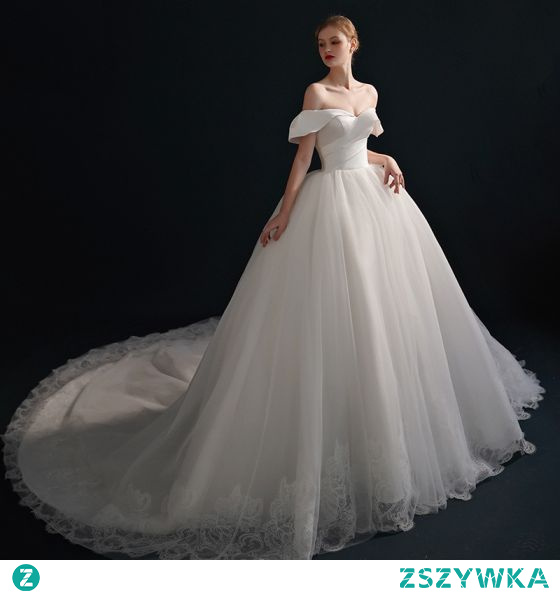 Proste / Simple Wysokiej Klasy Kość Słoniowa Suknia Balowa Satyna Suknie Ślubne 2021 Przy Ramieniu Kótkie Rękawy Bez Pleców Trenem Królewski Ślub