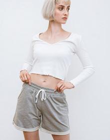 Dresy, krótkie spodenki i inne. Ubrania polskiej marki odzieżowej - zapraszamy