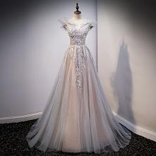 Piękne Szary Sukienki Wiecz...