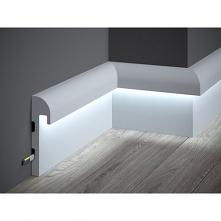 Nowoczesna listwa podłogowa z funkcją oświetlenia LED to model QL015R Mardom Decor Paper. Listwa gładka, pomalowana farbą podkładową ułatwiającą malowanie o charakterystycznym k...