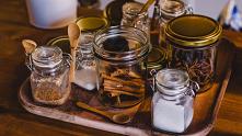 Z opakowaniami szklanymi spotykamy się każdego dnia. Korzystamy z nich w domu, gdzie służą między innymi do przechowywania produktów spożywczych. Szklane butelki i słoiki widuje...