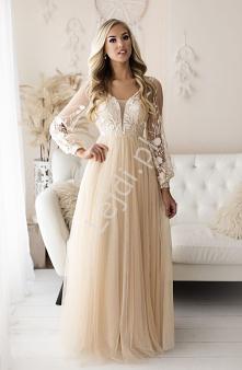 Długa suknia na wesele w ro...